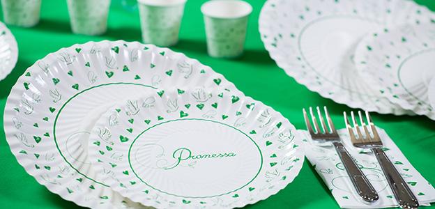 Una promessa di matrimonio in verde con Promessa Love