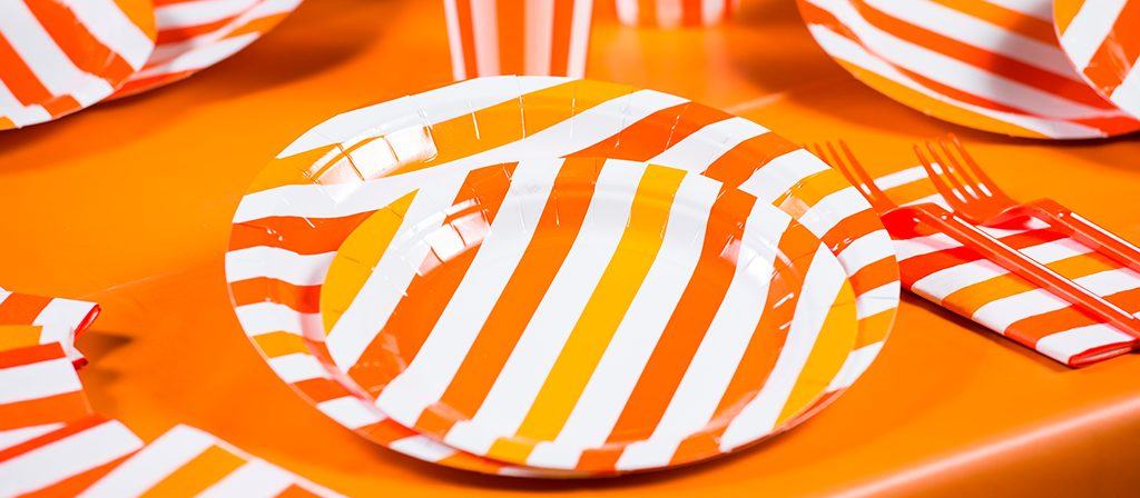 piatti a strisce arancioni